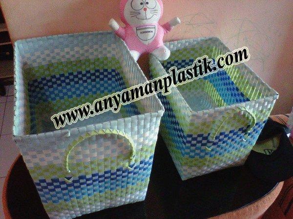 Kerajinan Tas Anyaman Plastik dan Aneka Keranjang (www.AnyamanPlastik.com)