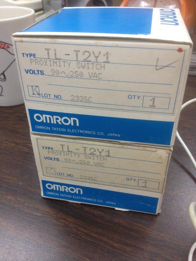 OMRON TL-T2Y1