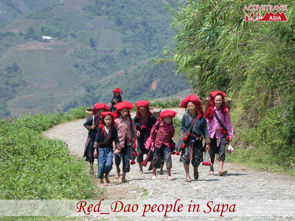 Culture – Fire Walking in Red Dao Village
